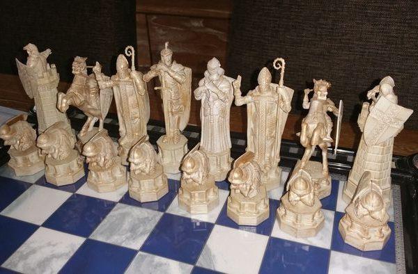 L'histoire des jeux d'échecs expliquée et détaillée